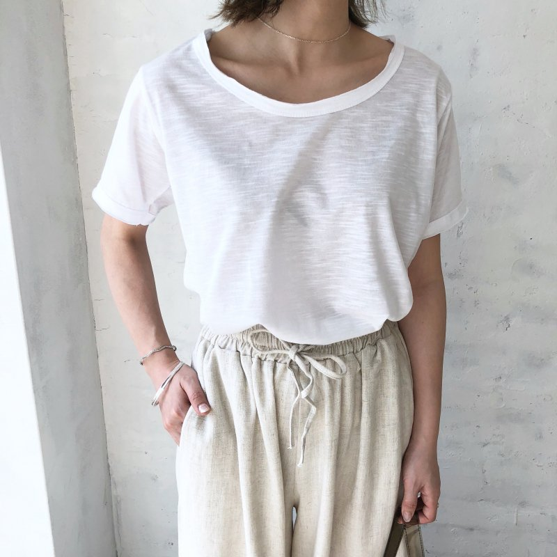 rounded cut T-shirt
