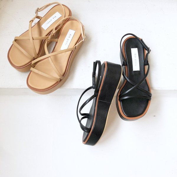 bordering color platform sandal