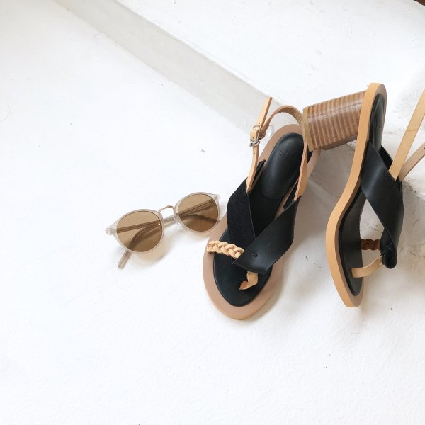 turn over suede gauge sandal
