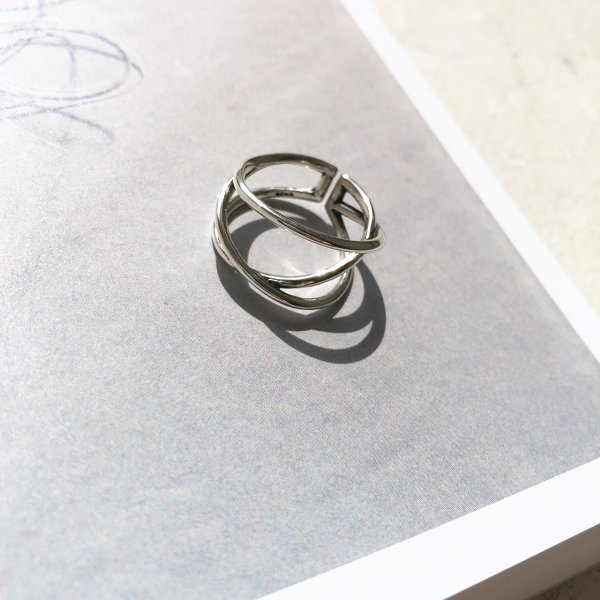 labyrinth thumb ring