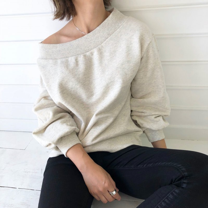 offshoulder lib sweat