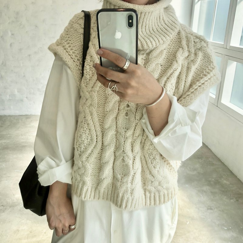vest turtle cable knit