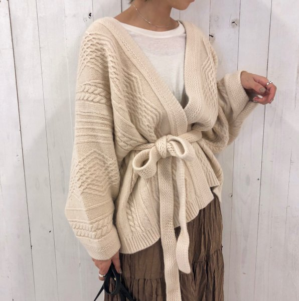 wave cable moist knit gown