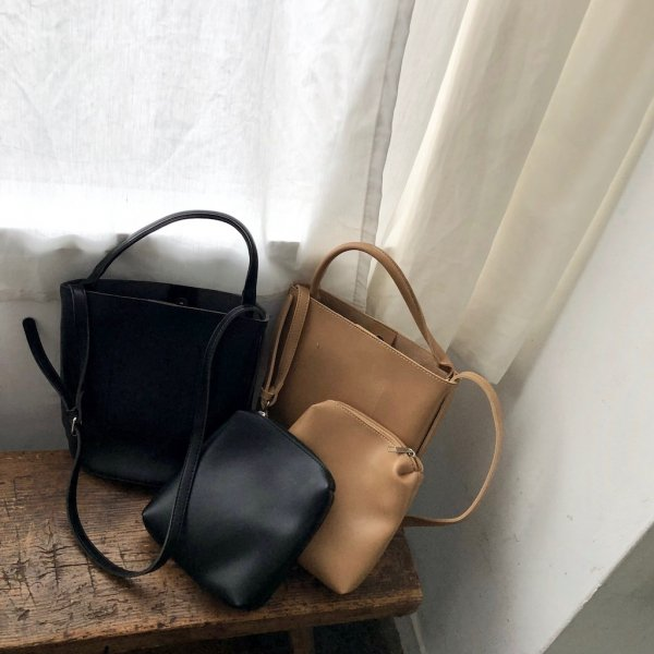 hand domineering leather BAG