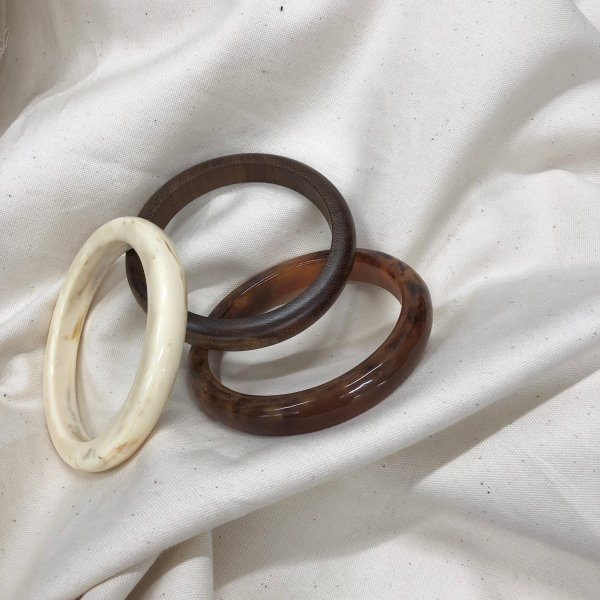 tortoiseshell & wood wide bangle