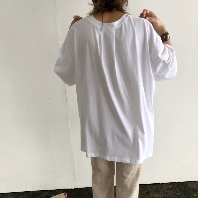 boyfriend baggy over T-shirt