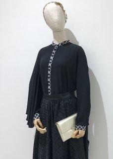 black tsubasa blouse