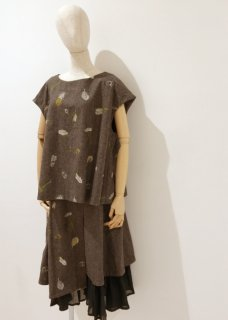 鳥の羽刺繍のスカート(ウール)