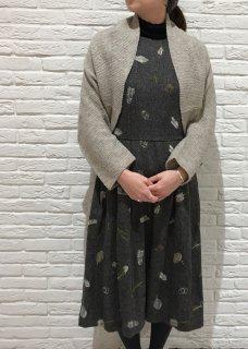 【別注】鳥の羽刺繍のノースリーブワンピース(ウール生地・全刺繍)