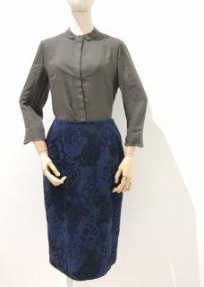 花刺繍生地のセミタイトスカート