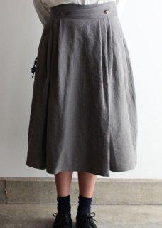 トリプルウォッシュリネン生地のスカート