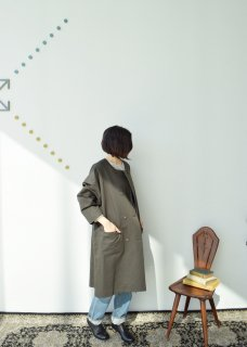 W button spring coat