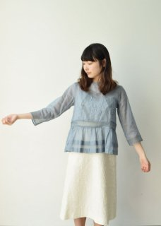 Organdy embroidery blouse