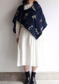 果実花刺繍の四角布