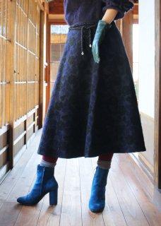 庭椿刺繍生地のフレアスカート