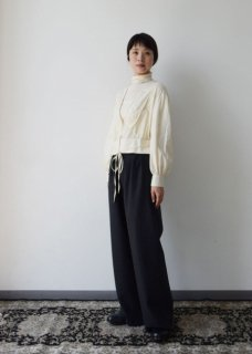 先行予約 Wool hand embroidery blouse