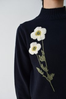 Anemone pullover