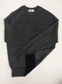 Botto Giuseppe ウールVネックセーター