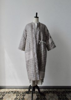 <img class='new_mark_img1' src='//img.shop-pro.jp/img/new/icons14.gif' style='border:none;display:inline;margin:0px;padding:0px;width:auto;' />Tsubomi  Silk  Quilt Robe