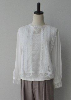 Filet lace nécessaire blouse