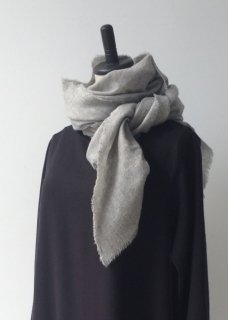 <img class='new_mark_img1' src='https://img.shop-pro.jp/img/new/icons14.gif' style='border:none;display:inline;margin:0px;padding:0px;width:auto;' />linen cashmere diagonal stole