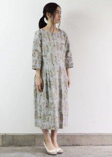 【 MORI 1839 】総刺繍ワンピースドレス