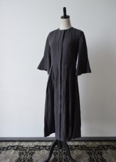 ベルギーリネン生地のドレスコート