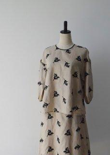 Muguet embroidery blouse