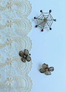 蜘蛛の巣ピンブローチ・ハナミズキイヤリング
