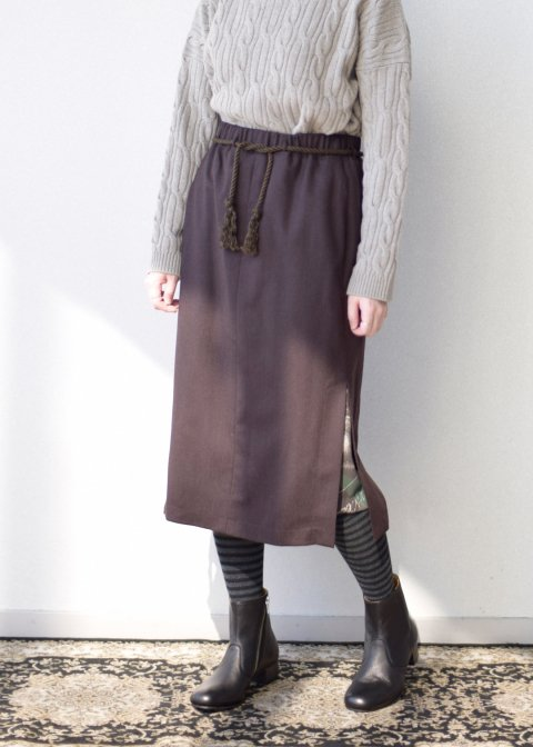 tsuki skirt、dark brown skirt