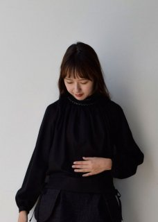 <img class='new_mark_img1' src='https://img.shop-pro.jp/img/new/icons14.gif' style='border:none;display:inline;margin:0px;padding:0px;width:auto;' />Formal Blouse(Silky Mother Cloth)