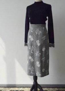 Herringbone wool embroidery skirt