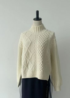<img class='new_mark_img1' src='https://img.shop-pro.jp/img/new/icons14.gif' style='border:none;display:inline;margin:0px;padding:0px;width:auto;' />ARAN PATCHWORK KNIT PULLOVER