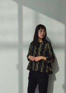 【撫菜】ナヅナ刺繍生地のフレアーシルエットプルオーバー
