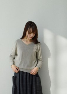 high gauge cashmere V neck pullover