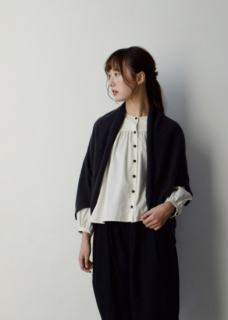<img class='new_mark_img1' src='https://img.shop-pro.jp/img/new/icons14.gif' style='border:none;display:inline;margin:0px;padding:0px;width:auto;' />cashmere bolero