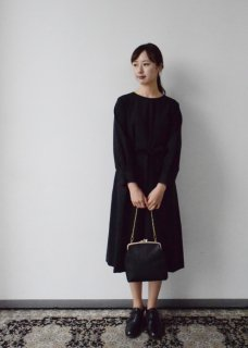 <img class='new_mark_img1' src='https://img.shop-pro.jp/img/new/icons14.gif' style='border:none;display:inline;margin:0px;padding:0px;width:auto;' />black formal A line one-piece dress