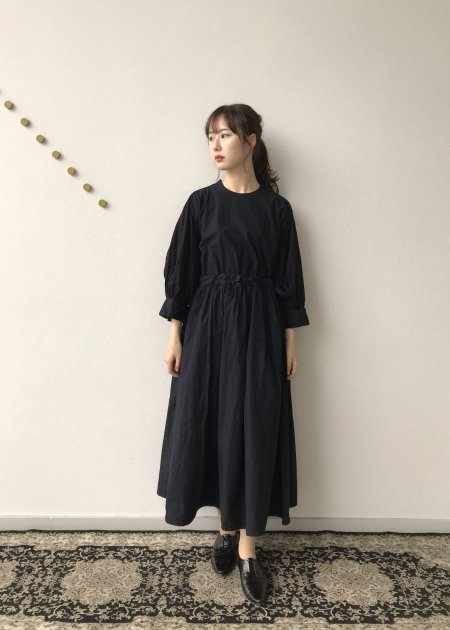<img class='new_mark_img1' src='https://img.shop-pro.jp/img/new/icons14.gif' style='border:none;display:inline;margin:0px;padding:0px;width:auto;' />Beautiful organic cotton monastery dress