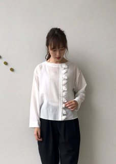 <img class='new_mark_img1' src='https://img.shop-pro.jp/img/new/icons14.gif' style='border:none;display:inline;margin:0px;padding:0px;width:auto;' />duet / swan tale Blouse