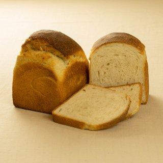 山地酪農ミルクの食パン  [冷]