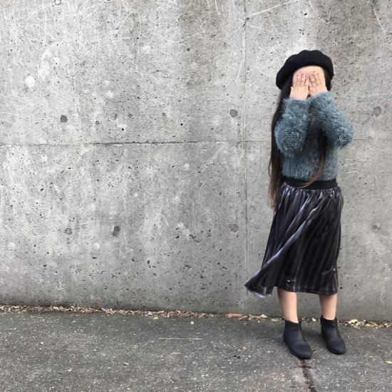 <img class='new_mark_img1' src='//img.shop-pro.jp/img/new/icons14.gif' style='border:none;display:inline;margin:0px;padding:0px;width:auto;' /> velour skirt/ grey【こちら1点のみご注文の場合は送料250円です】