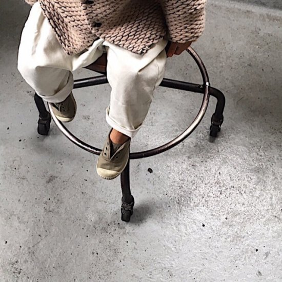 <img class='new_mark_img1' src='//img.shop-pro.jp/img/new/icons34.gif' style='border:none;display:inline;margin:0px;padding:0px;width:auto;' />【tree house】LIRE loose fitted trousers+pockets/cloud white