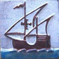 ポルトガルタイル(アズレージョ)楽スタイル【歴史・TQ-D1】帆船(約110×110mm)