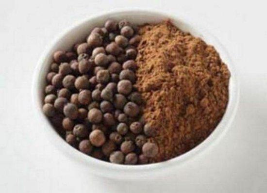 オールスパイス(三香子、百味胡椒)の種