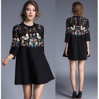 ゆったり裾広がり 花柄蝶々刺繍とレースの七分袖 ドレスワンピース