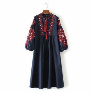 花柄刺繍 フォークロア ミモレ丈ワンピース ネイビー