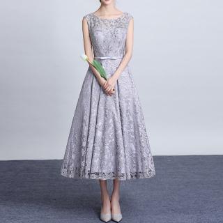 結婚式のゲストドレスとしてオススメ グレーレースのノースリロングドレス