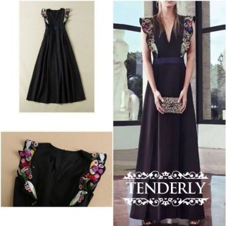 花柄刺繍のノースリーブVネック Aラインロングドレス