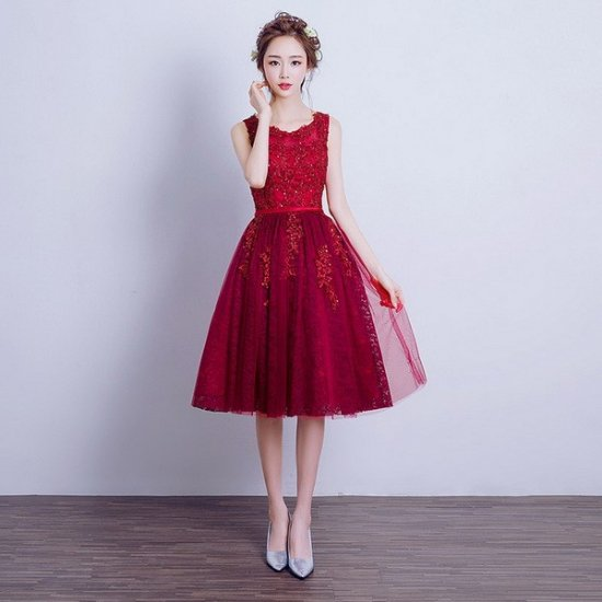 謝恩会におすすめ 深め赤がかわいい膝丈ドレス , 韓国プチプラパーティードレス通販『TENDERLY DRESS』