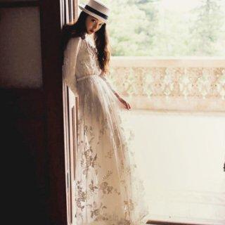 花嫁さまの二次会に ヴィンテージ風レースのロングドレス